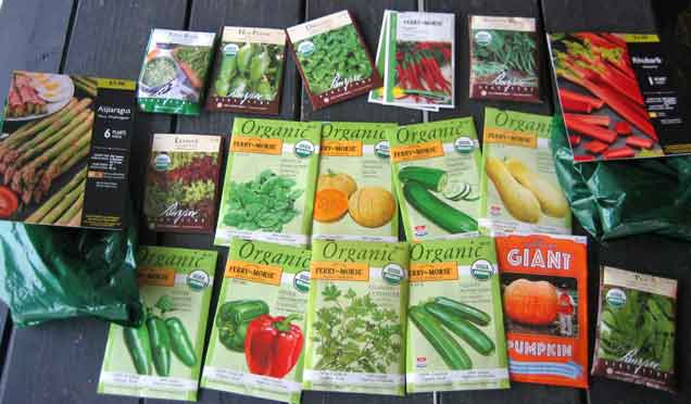 This set of organic, non-GMO seeds features a selection of nine vegetables and herbs that will ensure a bountiful harvest that is sure to inspire creative cooks. It includes packets of tomato, pepper, bean, basil, spinach, chard, parsley, lettuce and onion seeds.4/4(3).