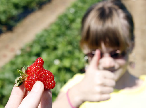Strawberry-ThumbsUp